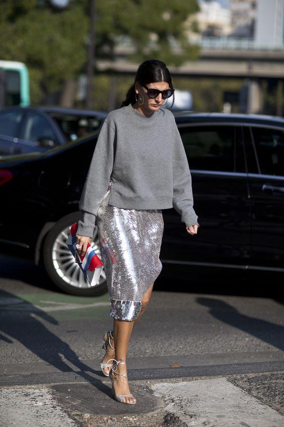 Falda midi lentejuelas plata y jersey gris