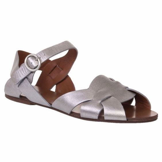 See by CHLOE Leather metallic Woven Sandals Awesome! Will post more pics soon :) size 40 but fits like a 9 or 9 1/2.. Leather sole and upper. Few scuffs from wear. Chloe Shoes Sandals