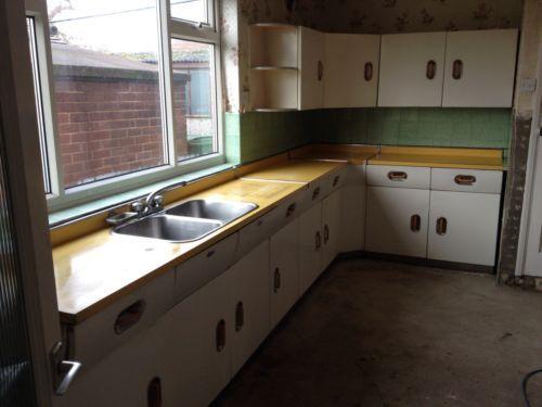 1950s, 1950s kitchen and Kitchen cupboards on Pinterest