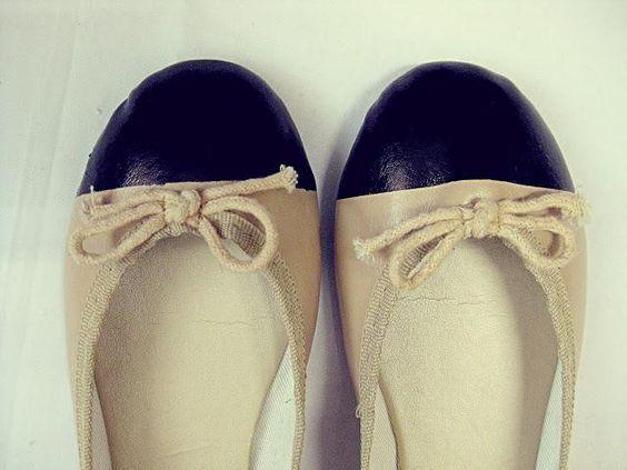 DIY: Chanel-inspired ballet flats DIY Shoes DIY Refashion