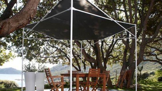 Tonnelle pliante pour le jardin // http://www.deco.fr/diaporama/photo-tonnelles-et-pergolas-assurent-votre-confort-au-jardin-61532/ #tonelle #jardin