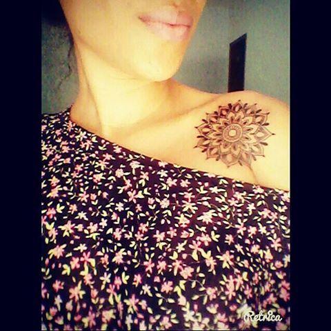 Minha número 5  Mandala significa círculo em palavra sânscrito, como concentração de energia, e universalmente a mandala é o símbolo da integração e da harmonia.   Uma singela homenagem ao meu querido Carl Gustav Jung e Nise da Silveira. <3 #tatto #mandala #tattoomandala #equilibrio #energia #harmonia #jung #carlgustavjung #nisedasilveira