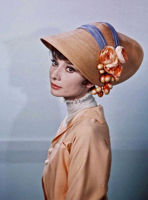 Одри Хепберн \ Дива в шляпке. Обсуждение на LiveInternet - Российский Сервис Онлайн-Дневников