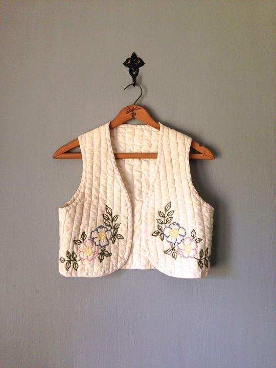 Unique hand-embroidered cropped quilted vest in natural colored cotton. 1970s. Handmade. d e t a i l s  size marked: n/a  estimated fit: Small or