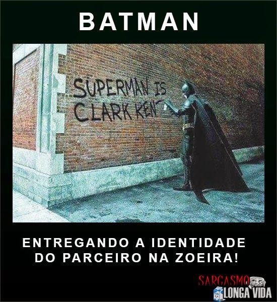Batman ferrando o parceiro de tantas aventuras... http://sarcasmolongavida.blogspot.com.br/2014/06/batman-ferrando-superman-na-pichacao.html#.U4rJVIGrim5 #Batman #Superman #ferrando #parceiro #homemmorcego #homemdeaço #morcego #dccomics #Liga #LigadaJustiça #SuperAmigos #sarcasmo #humor #heróis #sábado #fds #fimdesemana #madrugada #boamadrugada #boamadrugadaatodos