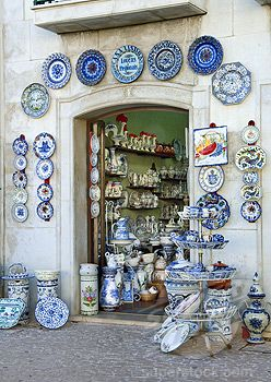 Portuguese Pottery_ Estremadura Region, Pottery Shop In Alcobaça (1968-2135 / 2348357 © Travel Pictures Ltd)