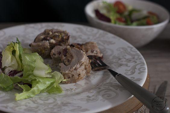 Solomillo relleno de queso de cabra, arándanos y pistachos con salsa de arándanos   Cocina