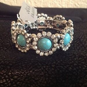 I just discovered this while shopping on Poshmark: Bracelet. Check it out!  Size: OS