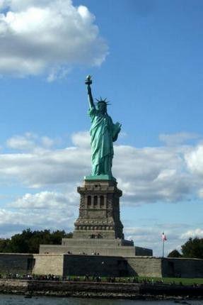 Statue Of Liberty Photo Mug Gourmet Tea Gift Basket