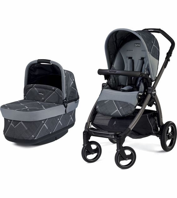 The Book Pop-Up stroller from Peg-Perego folds and unfolds with ease—no matter which direction the reversible seat is facing, even when the bassinet or stroller seat is attached. The stroller comes with a bassinet that's approved for overnight use and can easily become a travel system when a Peg-Perego infant car seat is attached directly to the frame.