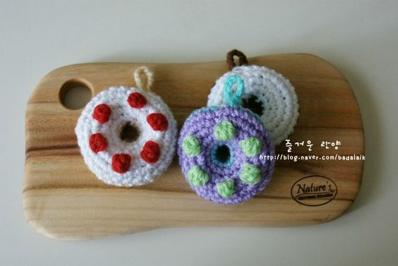 Crochet Donut Scrubbies: Cakes Bakes, Cloths Scrubbies, Crochet Food, Crochet Donut, Crochet Kitchen, Crafty Junk, Clever Crafts, Scrubbies Tawashi S, Household Crochet