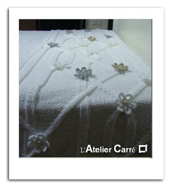 chemin de lit toil tricot et toiles perl es bed and. Black Bedroom Furniture Sets. Home Design Ideas