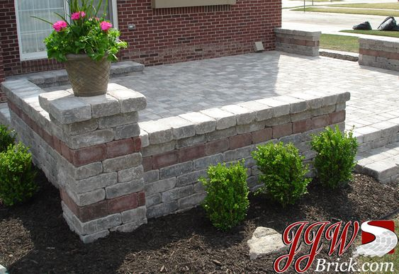 Patio wall design and small patio on pinterest for Brick wall patio designs