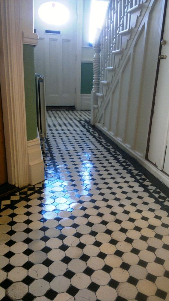 Victorian hallway tiles victorian tiled hallway cleaned for Tiled hallway floor ideas