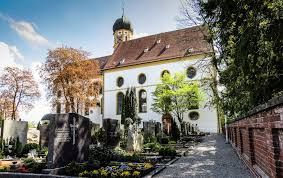 Friedhof und Stadtpfarrkirche Marktoberdorf