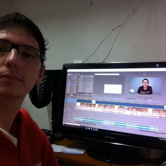 Editando vídeo para o canal inkmania do youtube
