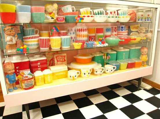 Dig the colorful assortment of Pyrex!