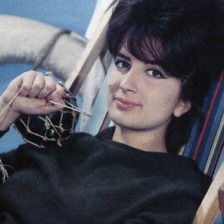 Mina sings in Spanish... 1960-69