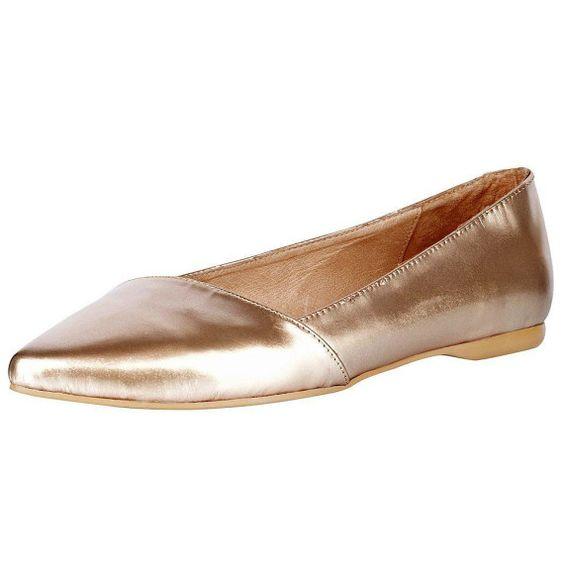 Ein bisschen Gold und Silber, ein bisschen Glitzer Glitzer! Wie man ein Outfit ganz leicht aufwertet? Tragt einfach glänzende Ballerinas wie diese hier zu eurem Look.
