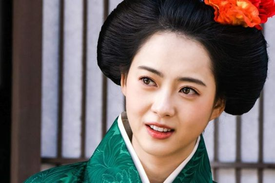 "Go Ara To Return To Filming ""Haechi"" After Recovering From Injury"