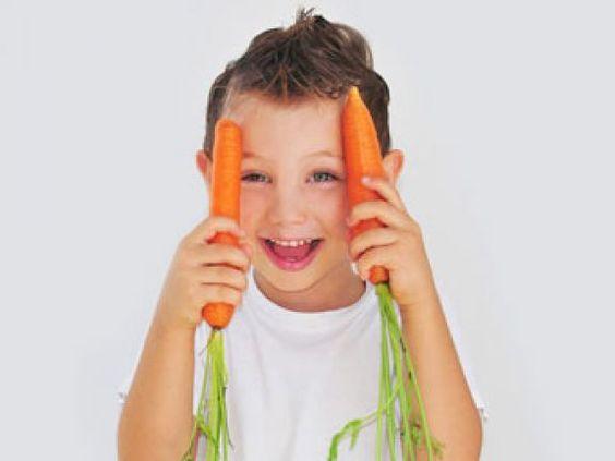 Gesunde Kinderernährung ist ganz leicht – EAT SMARTER erklärt, warum Gemüse nur Phantasienamen braucht, um den Kindern zu schmecken.