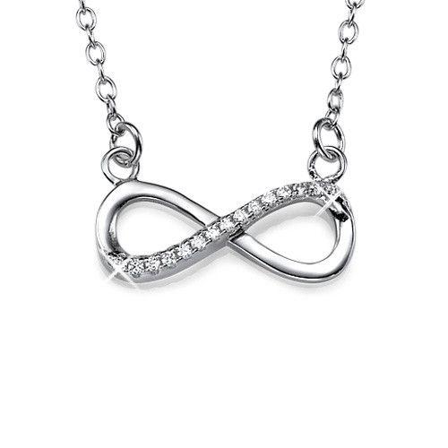 Les colliers infinis sont extrêmement tendances de nos jours, ce collier infini en argent avec zirconium  mêle à la perfection la tendance à l'élégance.Le Collier Infini en diamant fait de ce bijou un magnifique cadeau à offrir. Comment mieux exprimer l'amour éternel qu'un collier infini en diamant ?Si vous êtes à la recherche d'un cadeau parfait, signifiant éternité et possibilités infinies, ce collier est pour vous !Ce magnifique collier est en argent 925 sur une chaîne Rollo en argent.