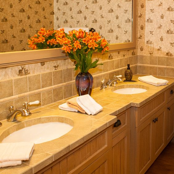 Mountain Suite - private bath.     #stowemeadows #romantic #stowevt  www.stowemeadows.com