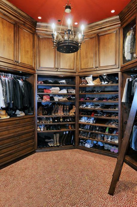 Grand Wardrobe :: 1 of 3