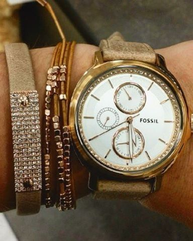"""""""Now I can finally tell time thanks to my #armcandy ⌚️ #armparty #fossil #fossilstyle"""""""