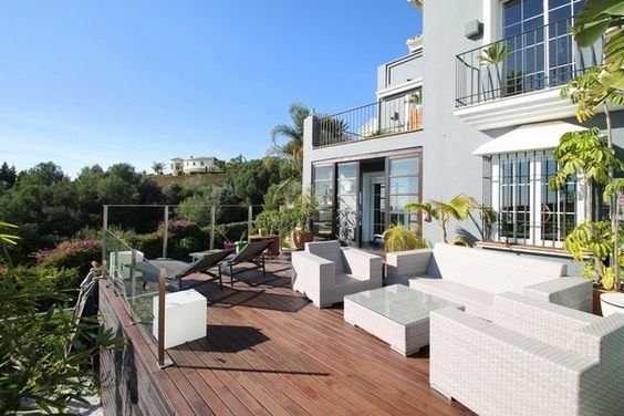 Stylish Townhouse for Sale in Marbella Hill Club