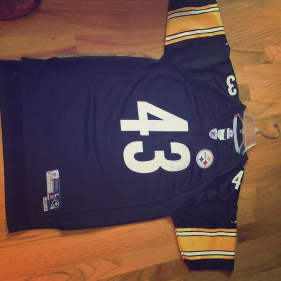 Reebok Authentic steelers Jersey Team Steelers youth size 14-16 Large ..little marks on the sleeve shows on pic Reebok Tops