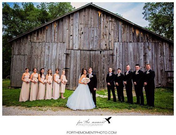 Rustic Chic Barn Wedding Photos | St Louis Country Wedding Photos at Faust Park | Orlando Garden Reception #countrywedding #barnwedding forthemomentphoto...