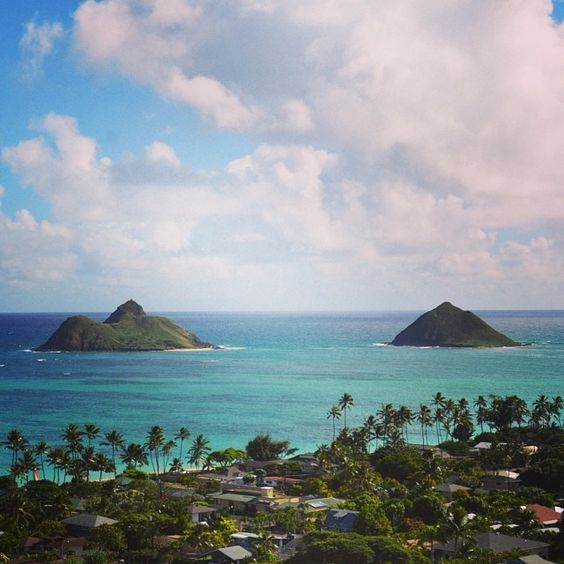 Beautiful view of the Mokulua Islands from the top of the Lanikai Pillboxes Hike