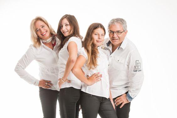 Eine schöne und coole Erfahrung: Ein Fotoshooting mit meiner Familie. Weitere Fotos dieses Events folgen. Auch mit etwas Stolz: Meine tolle Frau Karin und meine zwei wunderbaren Töchter Chiara und Lorena.