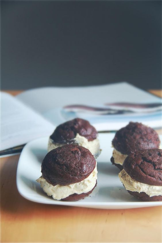 ... whoopie pies pictures cookies chocolate whoopie pies pies chocolate
