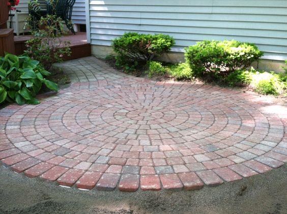 Circle paver patio   Garden / Outdoor Ideas   Pinterest ... on Circular Patio Ideas id=44377