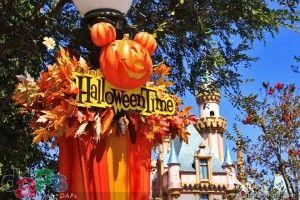 A Quick Look at Halloween Decorations at Disneyland