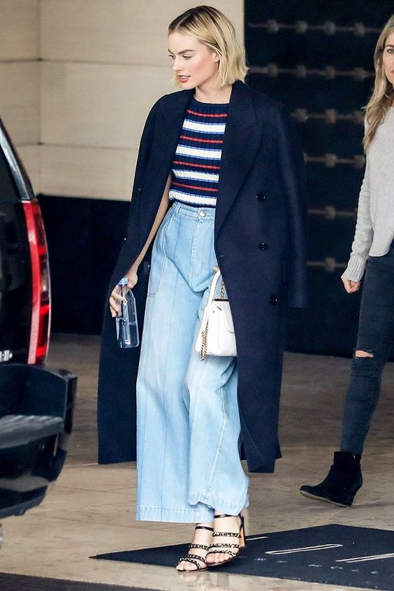 Instead of skinny jeans, celebrities have been embracing this trending pant style (which is so flattering with heels).