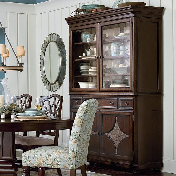 FRIDAY - 1/20/12 - Moultrie Park China Cabinet