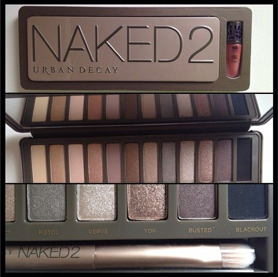 #NAKED2 da #UrbanDecay vem com um mini brilho labial e um pincel para se jogar na make! Com um kit desse na bolsa, você faz quantos looks quiser! #ésucesso #euforiatotal #nipotips#makeup #makeuplovers ❤