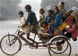 India: Bikes Fahrräder Bicicletas, Photos Overloaded, Incredible India, Bicycle Rickshaw, Family Transportation, India Products, India India, Transport Overloaded