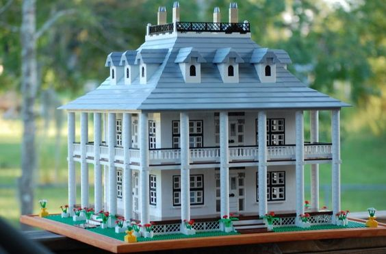 Rita's Plantation House : a LEGO® creation by Rita Stallings : MOCpages.com