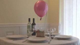 How to Make a Hot Air Balloon Centerpiece