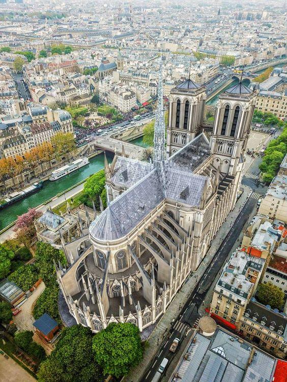 Notre-Dame : voici le projet de reconstruction par le créateur des Apple Store | HYPEBEAST