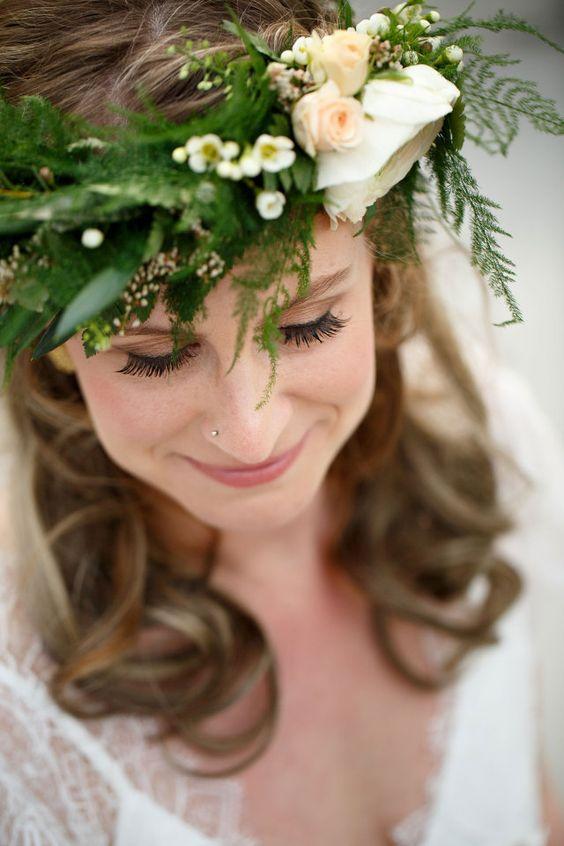 #bohemian #boho #chic #bruid #bruidskapsel #bloemenkrans #bruiloft #trouwen #huwelijk #trouwdag #inspiratie #wedding #inspiration | Photography: Mon et Mine | ThePerfectWedding.nl