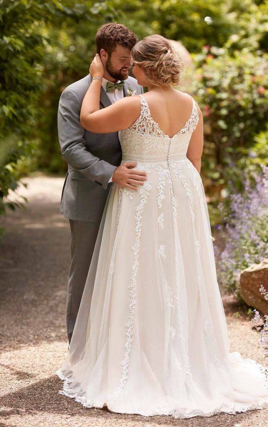 Plus Size Beach A Line Wedding Dress With Floral Lace In 2020