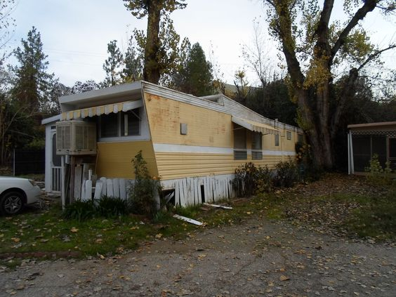Abandoned Trailer Home. Tulare County, California. DSMc.2012: