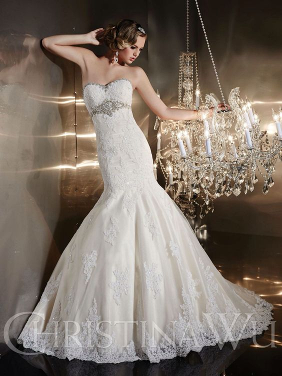 Exquisite wedding dresses for sofisticated women