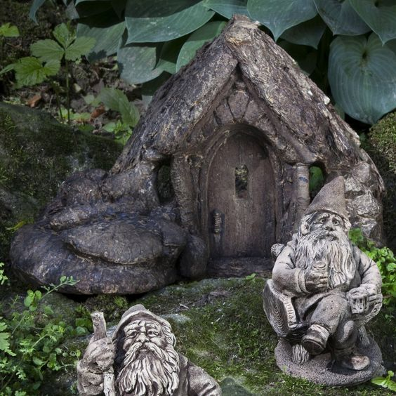 """""""Small Gnome Home"""" from Campania International (featuring """"Winktingle"""" and """"Muggwiggen"""" garden gnomes)"""