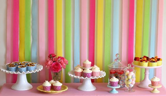 Cute backdrop for party sweets